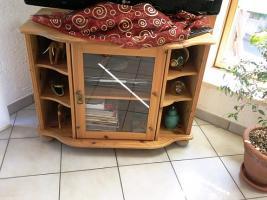 Foto 4 Wohnzimmer in Kiefer massiv mit diversen Teilen (ohne Couch)