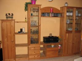 wohnzimmer schrank kiefer gelaugt ge lt landhausstil in kerken von privat. Black Bedroom Furniture Sets. Home Design Ideas