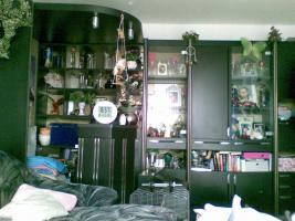 Foto 2 Wohnzimmer Schrankwand Schwarz/Chrom mit Bar
