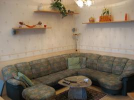 Foto 2 Wohnzimmer wegen Umbau abzugeben(6 Sessel, Eckbank, Bar, Verbau)