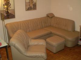 Foto 2 Wohnzimmercouch mit Sessel und Hocker