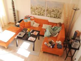 Wohnzimmermöbel, Couch, Sofa, Hocker, Vitrine, Anrichte, Regal, Sideboard
