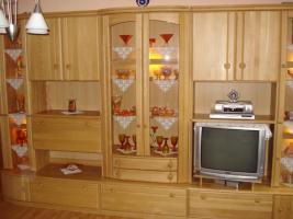 Foto 2 Wohnzimmerschrank (Echtholz)