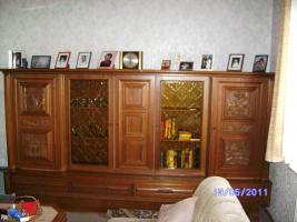 Wohnzimmerschrank Eiche-massiv auch für Jagdzimmer zu verkaufen!!!
