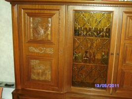 Foto 2 Wohnzimmerschrank Eiche-massiv auch für Jagdzimmer zu verkaufen!!!