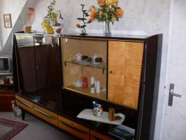Foto 3 Wohnzimmerschrank aus den Jahren 1958-1959