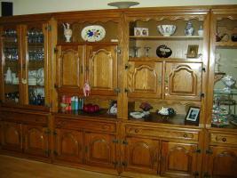 Foto 2 Wohnzimmerschrank Massivholz