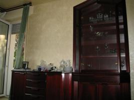 Wohnzimmerschrank und Sidebord, mahagoni