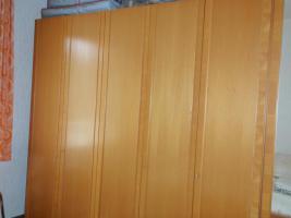 Foto 2 Wohnzimmerschrank mit Vitrine in gutem Zustand