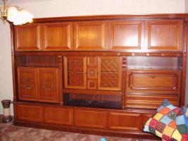 Wohnzimmerschrank kostenlos