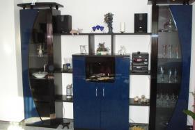 Wohnzimmerschrank schwarz/blau Front Hochglanz