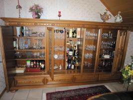 Foto 2 Wohnzimmerschrank  Massiv