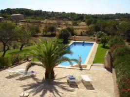 Foto 2 Wunderschöne Finca auf Mallorca mit Poollandschaft und großem Garten