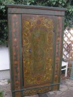Wunderschöne antike Möbel und antike Bauernmöbel