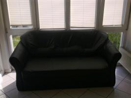 Wunderschöne, schwarze Couchgarnitur zum Schnäpschenpreis verkaufen!
