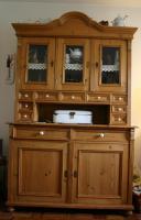 Wunderschöner Weichholzküchenschrank incl. alten Brotkasten