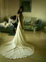 Foto 3 Wunderschönes Brautkleid in Cremeweiss Gr. 36