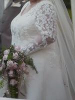Foto 3 Wunderschönes Brautkleid GR 48 VON DER Kollektion Forever YOURS