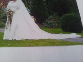 Foto 5 Wunderschönes Brautkleid GR 48 VON DER Kollektion Forever YOURS