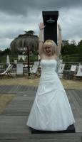 Wunderschönes Brautkleid von Lilly Größe 38 in Ivory (Elfenbein)