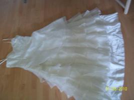 Foto 3 ��Wundersch�nes Hochzeitskleid von APART��