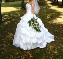 Foto 2 Wunderschönes Hochzeitskleid von Sincerity