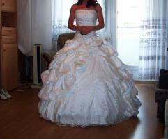 Foto 3 Wunderschönes Hochzeitskleid von Sincerity