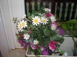 Foto 3 Wunderschönes Seidenblumengesteck