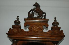 Foto 3 Wunderschone alte Wanduhr mit Pferd und div. Verzierungen