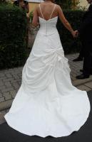 Foto 2 Wundeschönes Sincerity Bridal Kleid in ivory