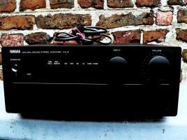 Yamaha A-X 9 Kompakt VOLLVERSTÄRKER, schwarz, S. GUTER ZUSTAND