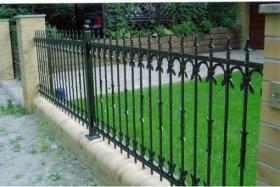 Zäune aus Polen, Zaun, Metallzäune, Doppelstabmatten, Schmideeisenzäune, Fenstergitter, Balkongeläder