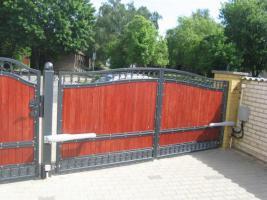 Foto 5 Zaun aus Polen, Gelander Tore Gitter Metalltreppen  Toranlage