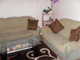 Foto 2 Zeitlos-moderne Sofa -/Couchgarnitur 3+2+1, in neutralem grün