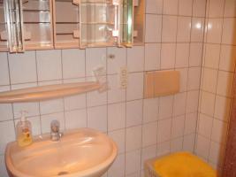 Foto 4 Zell-Mosel - Wohnhaus 4 Zimmer , K�che , DU/WC