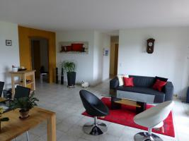 Zu vermieten in Toplage im grünen Ruhige Helle 41/2 Zimmerwohnung am Chrumacherweg 11A per 01.09.2013.oder nach VB