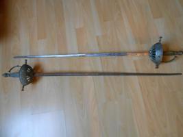 Zwei Degen/Schwerter aus einem Dachbodenfund, ca. 100cm lang