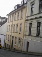 Foto 4 Zwei-Mod-8 Fam-Häuser, Kpr.295.000, -ME-40.000,00-Netto Spitzen Kapital-Anlage! zwei Modernisierte 8 Familien-Häuser Kaufpreis: Haus a)  165.000,00 Euro Haus b) 135.000,00 Euro Angebot-Nr.: <Wu-01110-A-F-On> 42105 Wuppertal- Elberfeld, City- Rand- No