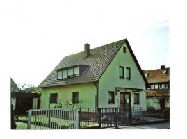 Zweifamielienhaus in ruhiger Lage in Nürnberg mit Doppelgarage