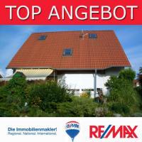 Zweifamilienhaus mit liebevoll gestaltetem Garten im historischen Schenkenberg
