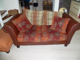 Foto 2 Zweisitzer Sofa im Kolonialstil