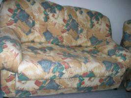 Foto 2 Zweisitzercouch und Sessel