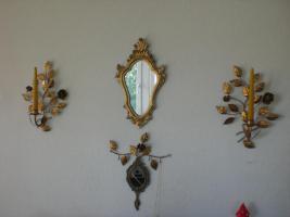 alte Kerzenhalter / Spiegel goldfarben, aus Metall/Holz