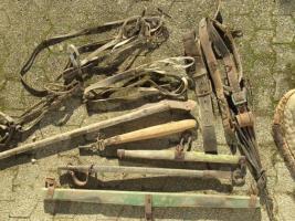 altes Pferdegeschirr(Kummet), Zaumzeug, Zubehör