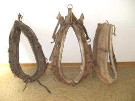 Foto 2 altes Pferdegeschirr(Kummet), Zaumzeug, Zubehör