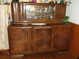 altes wohnzimmerbuffet mit passender kommode