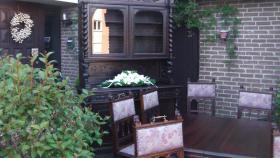 Foto 3 antik esszimmer schrank und tisch mit 6 stüle