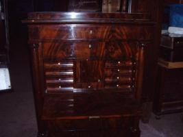 Foto 5 antike Möbel