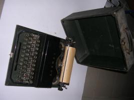 Foto 2 antike Schreibmaschine ca. 30 er Jahre