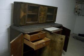 Foto 2 antike wohnzimmerschrank